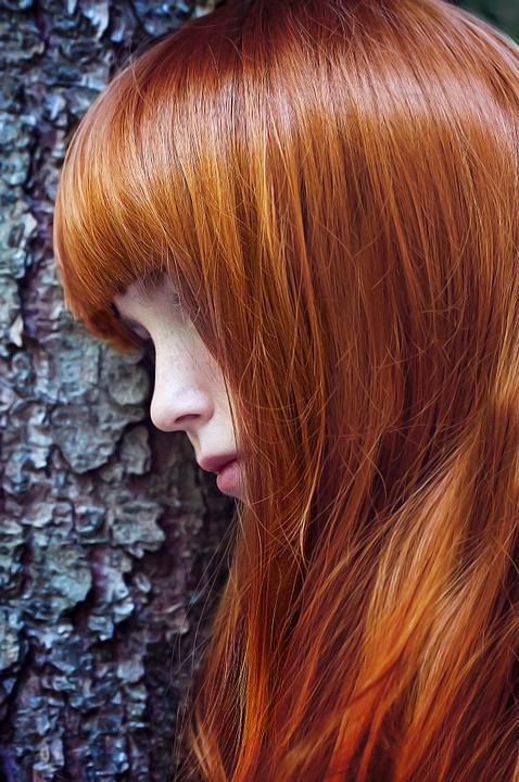 Trwała czy półtrwała farba dowłosów? Zobacz, czym się odsiebie różnią ijak wybrać właściwy produkt!