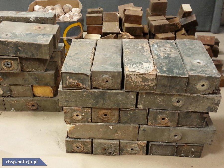 Handlowali materiałami wybuchowymi